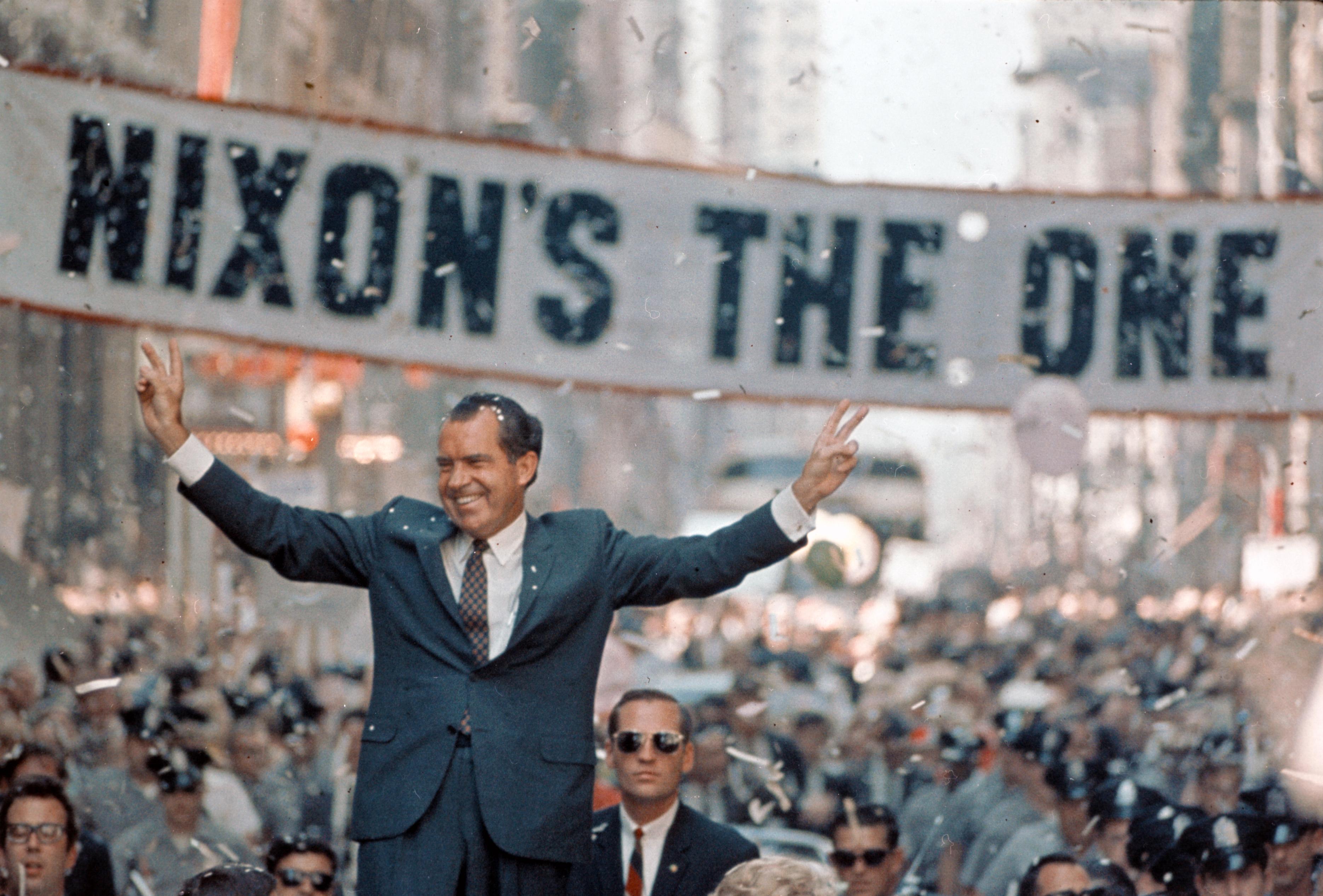 Nixon-Campaigns-in-Chicago1